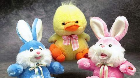 Выбираем первые игрушки для детей