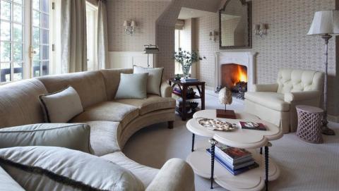 Подбор мягкого дивана для современной гостиной