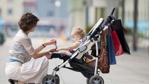 Подбираем аксессуары для детской коляски