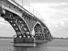 У народного губернатора проблемы с мостом