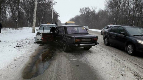 Как бороться с опасным автохламом на дорогах Саратова?