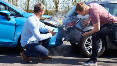 Автошколы должны переобучать попавших в ДТП водителей за свой счет