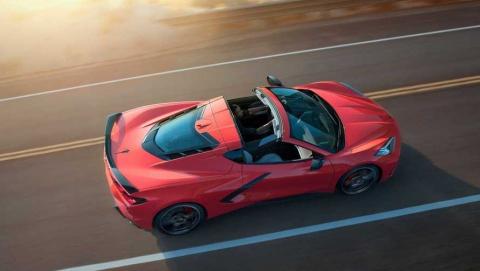 Среднемоторный Chevrolet Corvette будет бить Ferrari ценой
