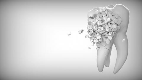 Саратовец жалуется на некачественную работу стоматологической клиники