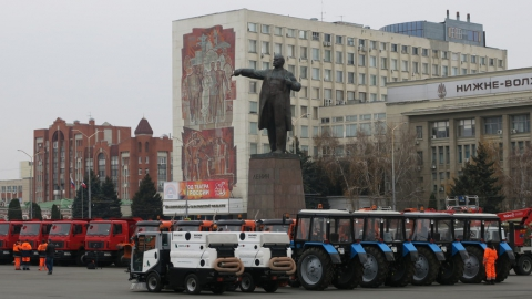 Прокурор против университета, машины Исаева, троллейбусы Саратова…