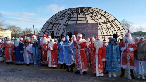 90-е возвращаются, парад Дедов Морозов, бедная Саратовская область…