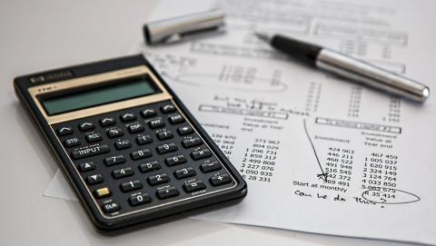 Как изменить договоры, чтобы избежать претензий налоговой