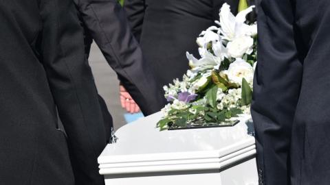 Какие ритуальные товары понадобятся для организации похорон?