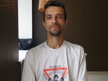 Бейсер прыгнул с саратовской высотки в поддержку арестованных парашютистов из Москвы