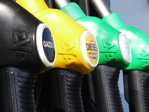 Бензин подорожает на 10 процентов