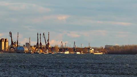 Энгельсский порт уплыл  в частные руки