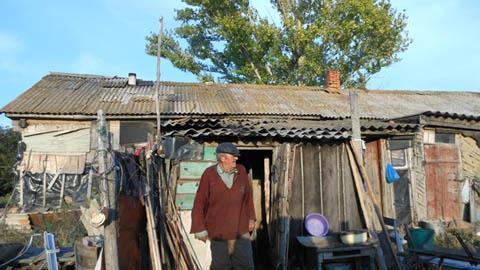 Хайвеев нет, но сельские  дороги ремонтируют