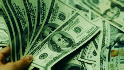 Рубли и доллары пригибают к земле даже счастливчиков пенсионеров