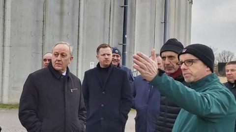 Валерий Радаев осмотрел волшебных немецких коров