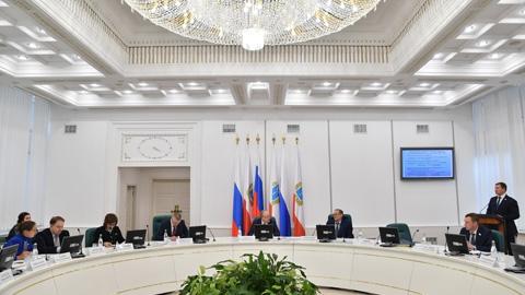 Радаев предложил своим министрам работать в Москве