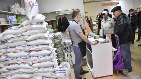 Пустых полок в саратовских магазинах не ожидается