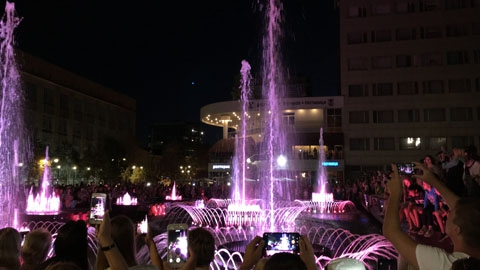 В Саратове включили антиковидный фонтан