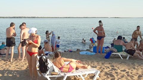 У Саратова гниёт Волга