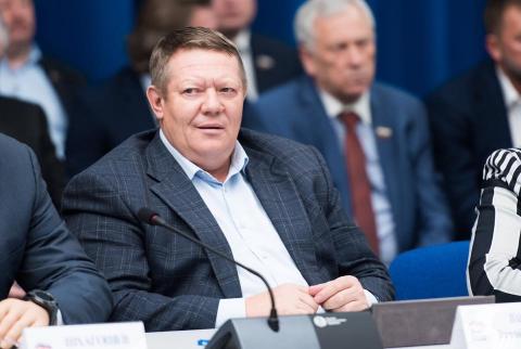 О сплетнях, чиновничьих интригах и губернаторском кресле