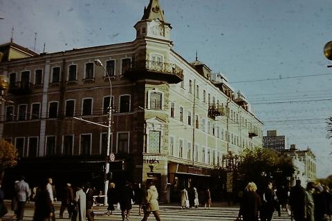 В саратовской мэрии ищут способы восстановления старых домов. Часть третья