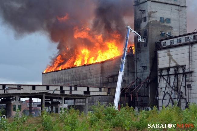 Пожар на элеваторах купить фольксваген транспортер на авито ру в ростовской области