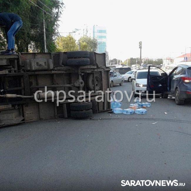 ВСаратове иностранная машина столкнулась спассажирским автобусом: пострадали два человека