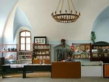 Церковная лавка.  Интерьер церкви Святого Архистратига Михаила.