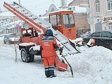 В Саратове ведется активная уборка снега