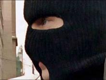 15-летнюю девочку ограбили и раздели в центре города