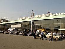 Прокопенко упорядочил остановки на Привокзальной площади