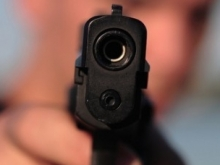 Саратовцы жалуются на стрельбу по остановке из окна наркопритона