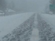 Саратовские спасатели выручили из снега бурильную установку, муковоз и еще 9 машин