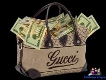 Мошенница убедила пенсионерку принести из банка сумку денег и похитила ее