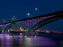 Наркоман попытался проехать по закрытому мосту