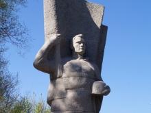 На Воскресенском кладбище прошли экскурсии по могилам знаменитостей