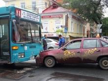 На Московской тактист в лобовую столкнулся с автобусом №11