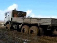 """В поле под Новоузенском """"КамАЗ"""" раздавил мужчину"""