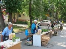 В Ленинском районе перенесли незаконную торговлю в положенное место