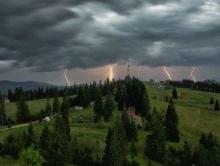 Несколько районов Саратовской области на выходных ждут ливни с грозами