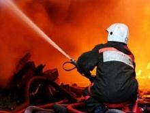 Спасенные из огня саратовцы документально поблагодарили пожарных
