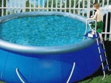 Ваня Голянц ушел из дома из-за отказа купить ему бассейн