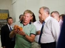 Валерий Радаев открыл центр для фермеров-растениеводов. Фоторепортаж