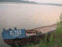 В ночном столкновении катера и баржи пострадали трое