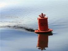 Под Вольском водолазы ищут девушку, упавшую с катера