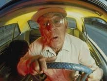 Вольский пенсионер из мести повредил шесть соседских автомобилей