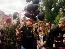 Саратовские спецназовцы отпраздновали профессиональный праздник. Фоторепортаж