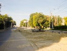 Жители Заводского района не могут добраться на работу из-за раскопанных дорог