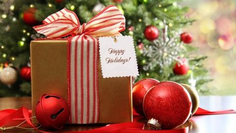 Саратов запасает 18 тысяч новогодних подарков