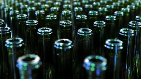 В Саратове полицейские изъяли почти 900 литров контрафактного алкоголя