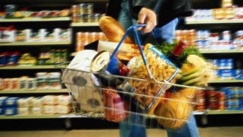 Товары и услуги в Саратовской области подорожали на 6 процентов